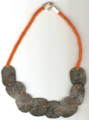 Jewel oxidized hammered necklace