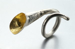 Jewel trumpet ring